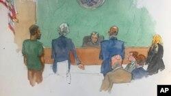 Dalam sketsa persidangan, Najibullah Zazi (kiri), hadir di pengadilan federal di Brooklyn, New York, 2 Mei 2019. Pada persidangan itu, Zazi dihukum 10 tahun penjara karena merencanakan pemboman kereta bawah tanah New York pada 2009.