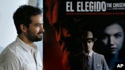 """El actor mexicano Alfonso Herrera durante una conferencia de prensa para promocionar la película """"El Elegido', que se estrenará en Netflix."""