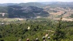 نيروهای امنيتی سوريه عمليات سرکوبی را به شهرک های نزديک لبنان و عراق کشانده اند
