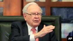 Warren Buffett posee la cuarta mayor fortuna del mundo, con un patrimonio de $76.500 millones de dólares.