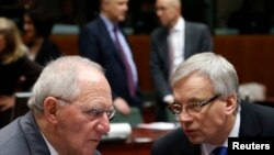 Para Menteri Keuangan Uni Eropa bertemu untuk membahas pertumbuhan ekonomi yang lamban (foto: dok).
