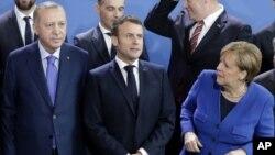Cumhurbaşkanı Recep Tayyip Erdoğan, Fransa Cumhurbaşkanı Emmanuel Macron ve Almanya Başbakanı Angela Merkel