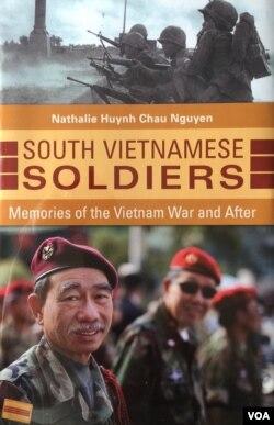 Cựu Trung úy Phạm Văn Chương trên bìa sách viết về người lính VNCH của Nathalie Huỳnh Châu Nguyễn. (Ảnh: Bùi Văn Phú)