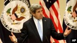 20일 미국 버지니아 대학에서 취임 후 첫 연설을 한 존 케리 국무장관.