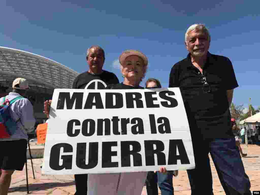 """Grupo """"Madres contra la Guerra"""" señalan que no están de acuerdo en la designación de un militar para que esté a cargo de las operaciones de recuperación en Puerto Rico."""