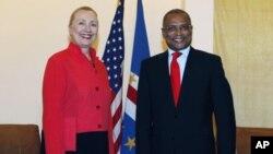 Encontro entre José Maria Neves e antiga Secretária de Estado norte-americana, Hillary Clinton em Cabo-Verde (Arquivo)