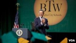 Barack Obama puso como ejemplo los resultados alcanzados por la escuela secundaria superior Booker T. Washington, en Tennessee.