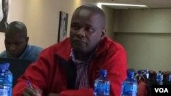UMnu. Ngqbutho Mabhena ngomunye wabangene umhlangano wenhlanganiso ezizimele zodwa kwele South Africa.