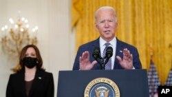 Prezidan Joe Biden pale sou evakyasyon sitwayen Ameriken ki nan peyi Afghanistan, depi la Mezon Blanch, 20 Out, 2021.