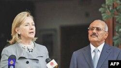 Ngoại trưởng Clinton và Tổng thống Yemen Ali Abdullah Saleh trong cuộc họp báo ở Sana'a, ngày 11/1/2011