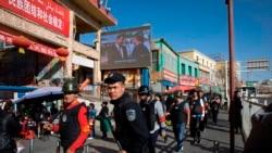 """知名维吾尔活动人士的母亲死于""""再教育营"""""""