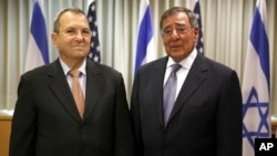 Bộ trưởng Quốc phòng Mỹ Leon Panetta gặp Bộ trưởng Quốc phòng Israel Ehud Barak tại Tel Aviv, ngày 1/8/2012