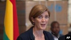 Le monde entier a besoin de faire davantage, face à « la plus grande crise de santé publique » jamais survenue, affirme l'ambassadrice Samantha Power (AP)