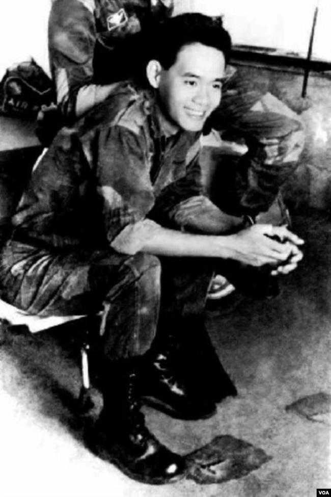 Phan Nhật Nam, thiếu úy Tiểu đoàn 7 Nhảy Dù 1964. [tư liệu Phan Nhật Nam]