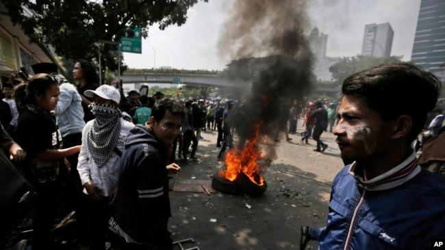 Aksi protes pemilu yang berakhir dengan kerusuhan di Jakarta (22/5).