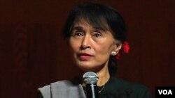 Lãnh tụ đối lập Miến Điện Aung San Suu Kyi nói bà lạc quan về sự chuyển đổi dân chủ ở Miến Ðiện