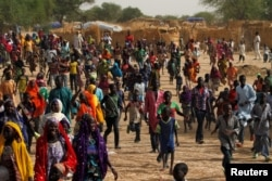 Displaced people are seen in a camp of the city of Diffa following attacks by Boko Haram fighters in the region of Diffa, Niger, June 18, 2016.