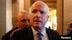 Senator AS John McCain (foto: dok.)