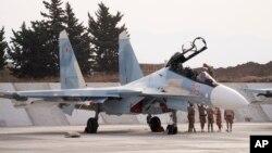 Ruski lovac u bazi Hemeimim u Siriji