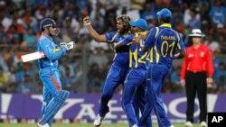 سری لنکا اور بھارت کے درمیان میچ برابر