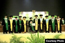 Sinta Nuriyah Wahid dan Senat UIN Sunan Kalijaga Yogyakarta. (Foto: Humas UIN Suka)