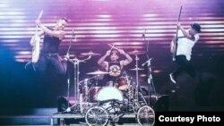 Aksi panggung grup band SID dalam salah satu penampilannya (courtesy: SID).
