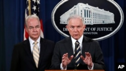 El secretario de Justicia, Jeff Sessions, junto al secretario de Salud, Tom Price, aseguran que esto es solo el principio y que seguirán luchando para combatir este tipo de fraude que pone en peligro la salud de los estadounidenses y causan pérdidas millonarias a los contribuyentes.