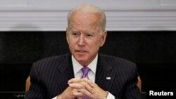 ប្រធានាធិបតីសហរដ្ឋអាមេរិក លោក Joe Biden ថ្លែងក្នុងជំនួបមួយជាមួយក្រុមមន្ត្រីគ្រប់គ្រងភាពអាសន្នដើម្បីពិភាក្សាអំពីការឆ្លើយតបនឹងការប្រែប្រួលអាកាសធាតុខ្លាំង នៅសេតវិមាន រដ្ឋធានីវ៉ាស៊ីនតោន ថ្ងៃទី២២ ខែមិថុនា ឆ្នាំ២០២១។