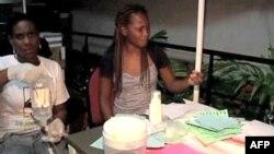 Haićanke u medicinskom centru u oblasti Artibonite u kojoj se pojavila kolera koja je odnela 200 života, 22. oktobar 2010.