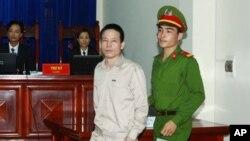 Viện Kiểm Sát Nhân dân đề nghị mức án từ 5-6 năm tù giam đối với ông Đoàn Văn Vươn.