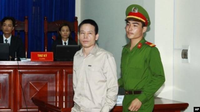 Ông Ðoàn Văn Vươn trong phiên xử sơ thẩm tại Tòa án Nhân dân thành phố Hải Phòng hồi tháng 4/2013.