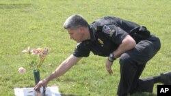 Petnaestogodišnji sin policajca Thomasa Didonea poginuo je u automobilskoj nesreći zbog mladog vozača koji nije bio usredotočen na vožnju