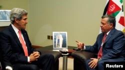 Dünya Ekonomik Forumu için Ürdün'e giden ABD Dışişleri Bakanı John Kerry Kral Abdullah ile görüşürken