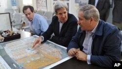 У карты Сирии