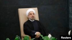 ປະທານາທິບໍດີ ອີຣ່ານ ທ່ານ Hassan Rouhani ນັ່ງລໍຖ້າການຖະແຫລງ ຢູ່ນອກກອງປະຊຸມສະມັດຊາໃຫຍ່ ສະຫະປະຊາຊາດ