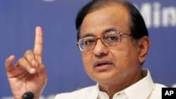 Bộ trưởng Tài chính Ấn Độ P. Chidambaram nói rằng chính phủ không hề gặp khủng hoảng