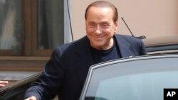 """Los abogados de Berlusconi dijeron que la absolución va """"más allá de nuestras mejores previsiones""""."""