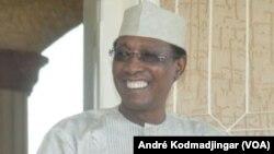 Le président tchadien Idriss Déby Itno à Amdjarass, Tchad, 21 mars 2017. (VOA/André Kodmadjingar)