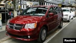 Ảnh tư liệu - Một chiếc xe Dodge của hãng Fiat Chrysler tại Nhà máy Lắp ráp Windsor ở Ontario, ngày 9 tháng 2 năm 2015.