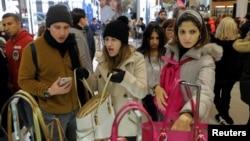 紐約梅西百貨先驅廣場黑色星期五的購物者 (2017年11月23日)