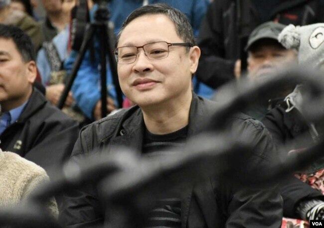 香港大學法律系副教授、和平佔中發起人戴耀廷(美國之音湯惠芸拍攝)