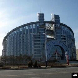 興建中的丹東新城區建築