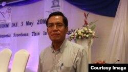 ၀ါရင့္ သတင္းစာ ဆရာ ဦးေအာင္လွထြန္း (Aung Hla Tun Facebook)