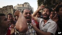 示威群眾繼續反對沙菲克參選。