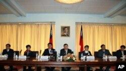 台北市长郝龙斌率访问团举行记者会