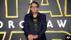 """Piter Mejhju na evropskoj premijeri filma """"Ratovi zvezda: Buđenje sile"""" u Londonu, 16. decembra 2015."""