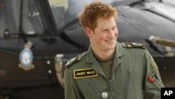 Pangeran Harry yang dikenal sebagai Kapten Harry Wales akan bertugas sebagai pilot helikopter tempur Apache di Afghanistan (foto: dok).