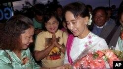 緬甸反對派領導人昂山素姬應中國共產黨邀請,6月10號第一次訪問中國受到歡迎。