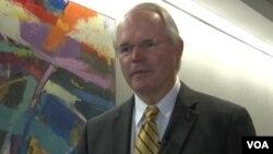 Duta Besar Christopher Hill, mantan diplomat senior semasa pemerintahan Presiden George W. Bush (foto: dok).