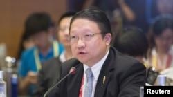 James Su, chief executive of G&E Studio and EDI Media, speaks during the Boao forum in Boao, Hainan province, China, April 8, 2014.